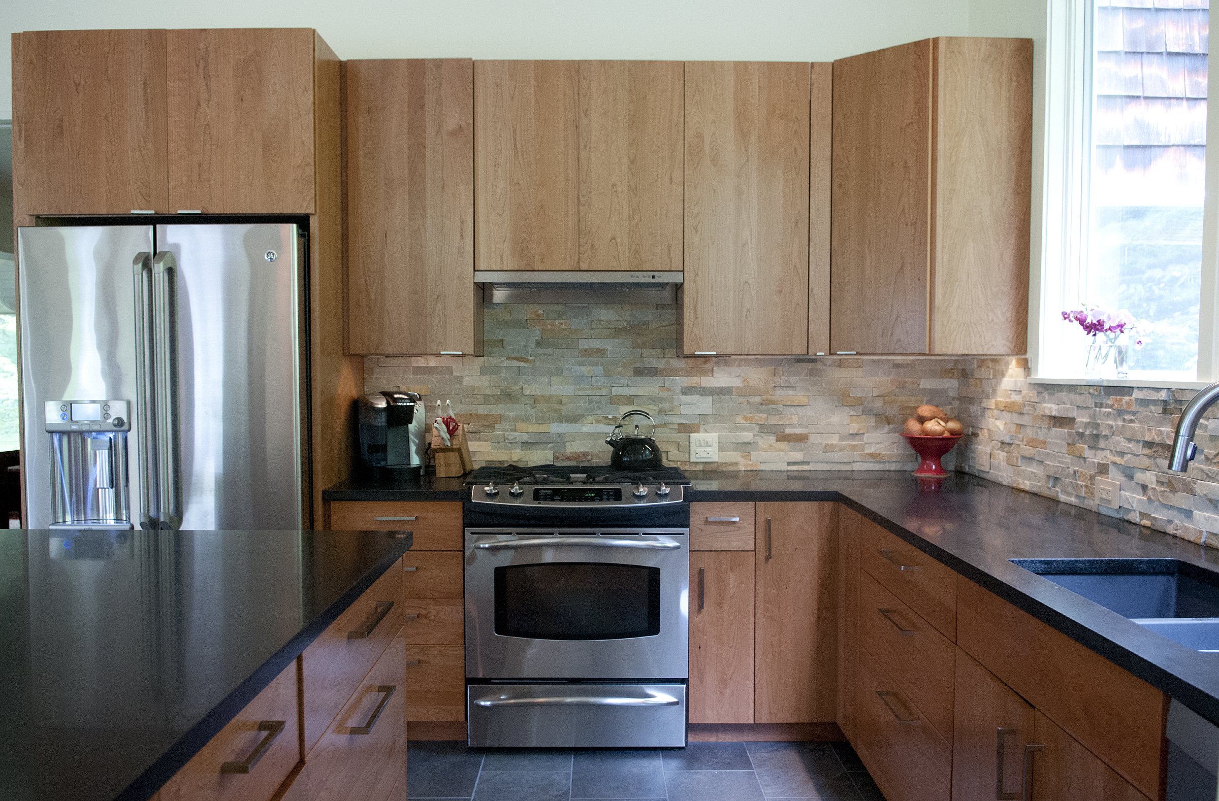 FOSTER CUSTOM KITCHENS